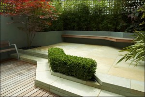Modern-and-Beautiful-Patio-Fenced-Garden