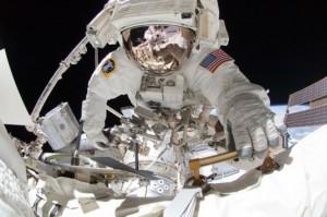 spacewalk-photos-shuttle-endeavour_t607