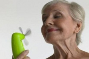 Vampate-di-calore-in-menopausa-sintomi-e-rimedi