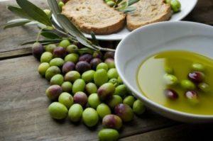 dalmatinsko-maslinovo-ulje-vrhunske-kvalitete-slika-18057779