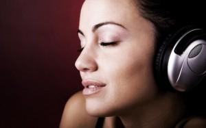 listening-music-624x390