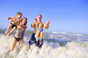 Family-Fun-on-Beach2