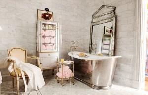 comfortable-pop-of-spring-pink-bathroom1