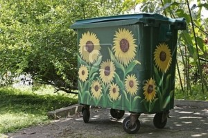 trash-can-sun-container_12678196