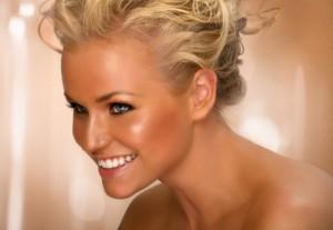 Makeup_Salon_Stylist_Tan_Hair_Bridal_Lipstick_Mascara-604x418