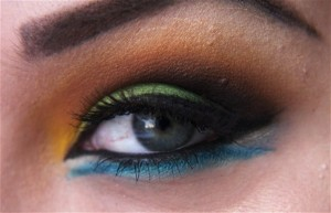 Arabic-Eye-Makeup-Tips-600x387