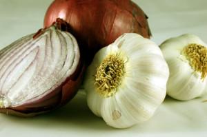 Heartburn-wowes-Garlic-onion