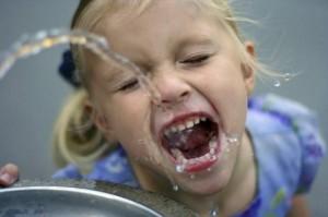 Kid-Drinking-Water-630x419
