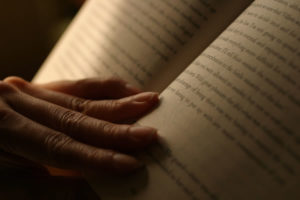 12-Benefits-Reading-Books-Can-Have-On-Your-Life-6