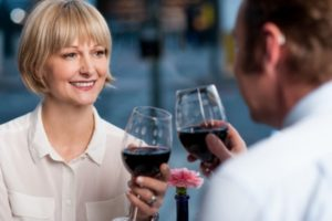 Middle-Aged-Couple-Drinking-Wine-600x400