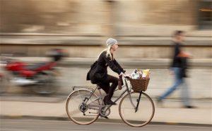 women-bike_2519263b