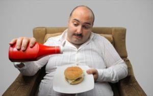 neuriki-boulimia-ti-einai-kai-pos-antimetopizetai