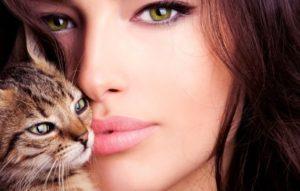 beautiful-girl-with-kitten-t2