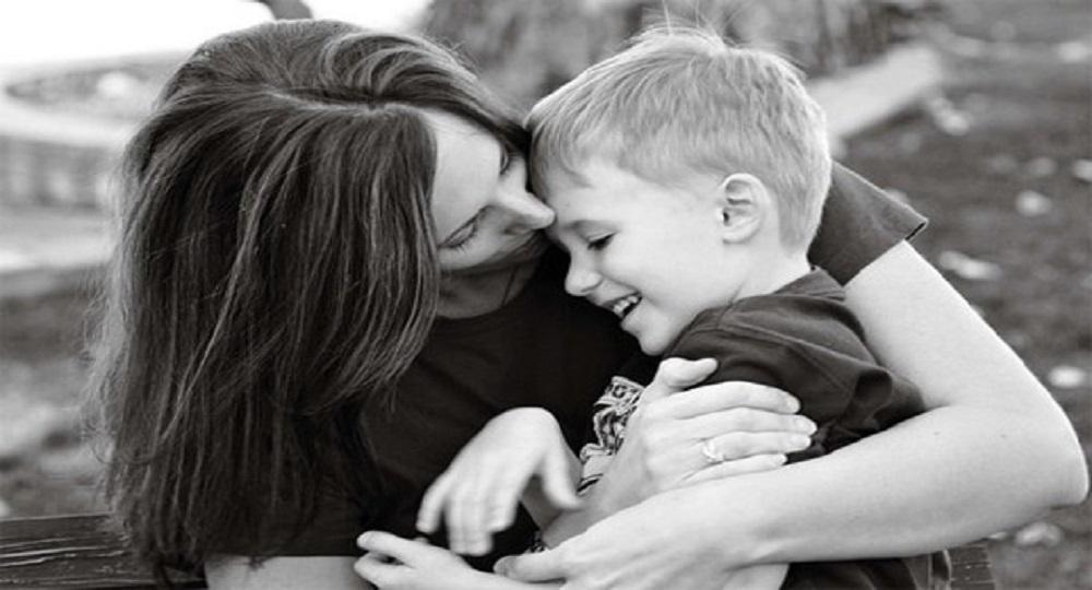 26-hug-mother-child-pohotogprahy1